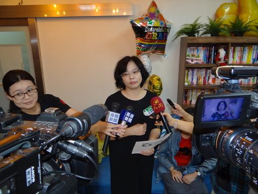 關愛輔導中心主任黃淑滿接受媒體採訪談到,照顧身障生更重要的在於技能學習,畢業後能順利就業。