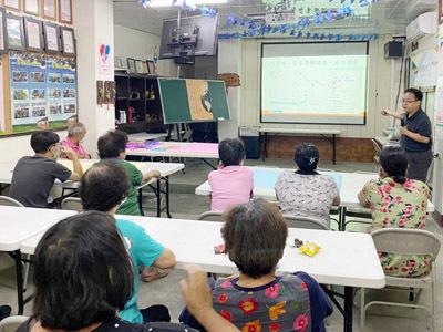 大葉大學消防學程周中祺老師幫舊社社區居民建立防災觀念