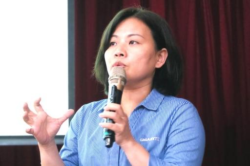 技嘉專案管理師黃惠玥分享以換位思考設計產品的經驗。