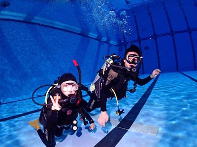 大葉大學運健系課程帶領學生學習潛水