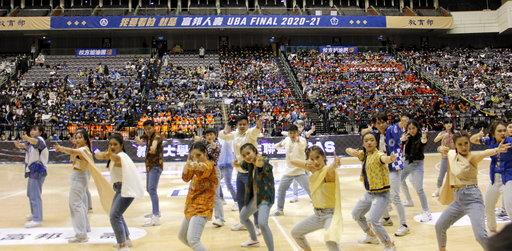 義大IPAS團員們首次登上台北小巨蛋表演,各個使出渾身解數,贏得滿堂彩。(義守大學提供)