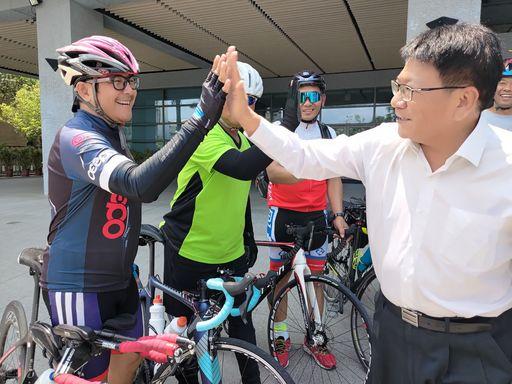 熱血青年軍單車環島號召屏東遊子回家迎王 潘孟安也想跟