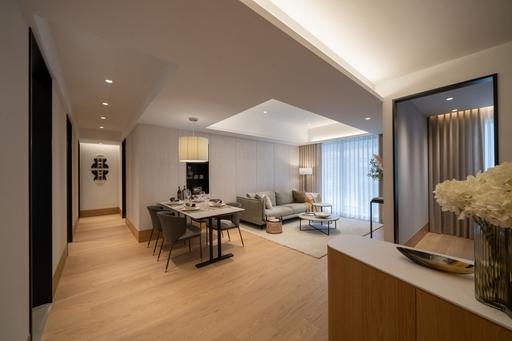 「璞園袖里春」推出稀有雙併42~48坪3房3+1房,戶戶邊間享有三面採光、動線寬闊舒適、衛浴皆開窗。