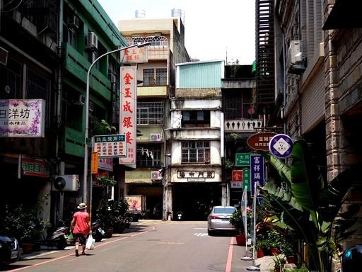 新竹東門市場隱身於街區中