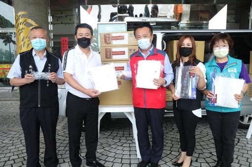福安王爺慈善會捐第一線防疫人員防護衣及護目鏡