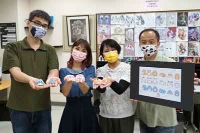 大葉大學多媒體學程江家慶老師(左一)、陳志隆老師(右一),帶領碩士生廖芳瑋(左二)、戴妘芳(右二)參與產學合作