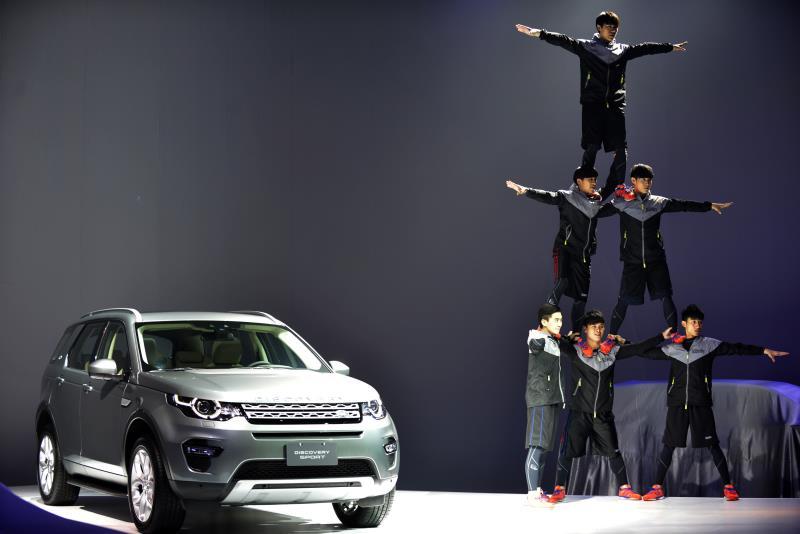 New Discovery Sport以Discovery Vision Concept為新世代Discovery家族藍圖,繼承Land Rover越野剛性血統,並以卓越的空間機能設計,成就同級唯一可選5+2人座套件多功能LSUV。(圖為業者提供)