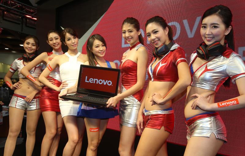 丫頭詹子晴現身資訊月Lenovo攤位 圖/張新偉攝