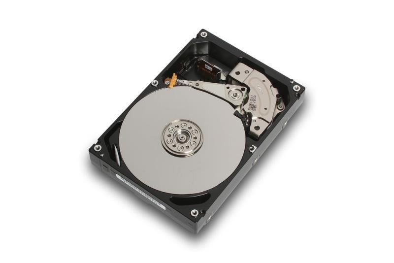 台灣東芝電子零組件公司宣布推出全新MG系列硬碟,這款8TB超大容量企業級硬碟可提供企業伺服器高效能的資料儲存空間及共享儲存裝置,MG05系列產品在容量上大幅升級33%,相較於前一代6TB ,MG05系列產品在資料傳輸速率提升達12%(圖由台灣東芝提供)