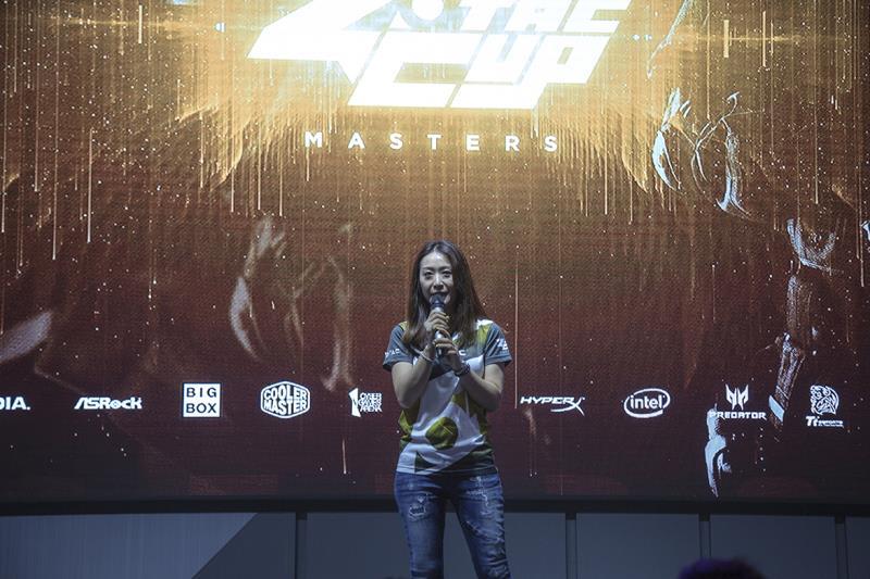 ZOTAC 全球行銷總監莊曉琪宣布,ZOTAC CUP MASTERS《DOTA 2》世界8強電競賽事,在台北國際電腦展正式展開!