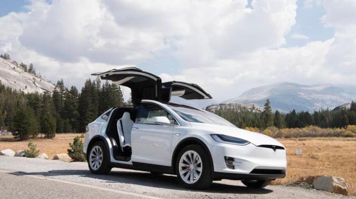 新電動小休旅,Tesla Model Y,最快2019年現身