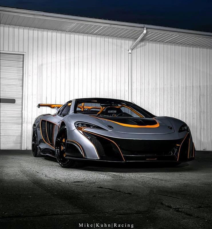 絕對不讓你出現在後視鏡裡的McLaren MP4-12C!