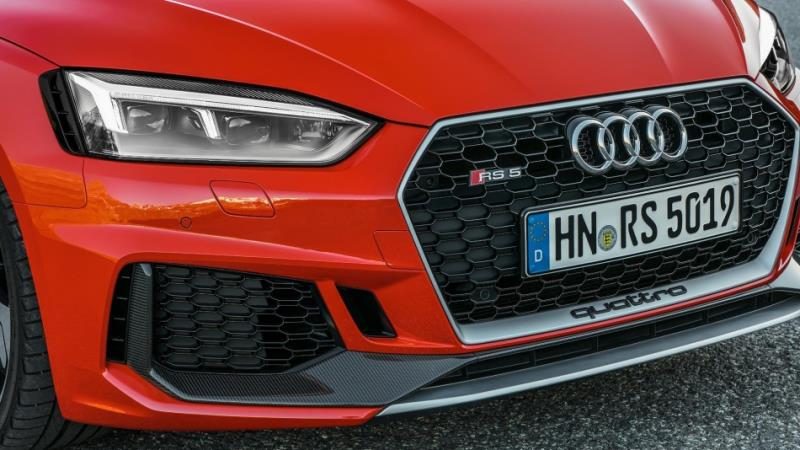 Audi輕量RS4/RS5 Carbon Edition登場