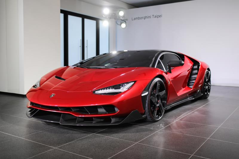 Lamborghini Centenario正式在台領牌