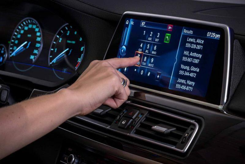 美國AAA道路安全基金會 對觸控螢發警訊