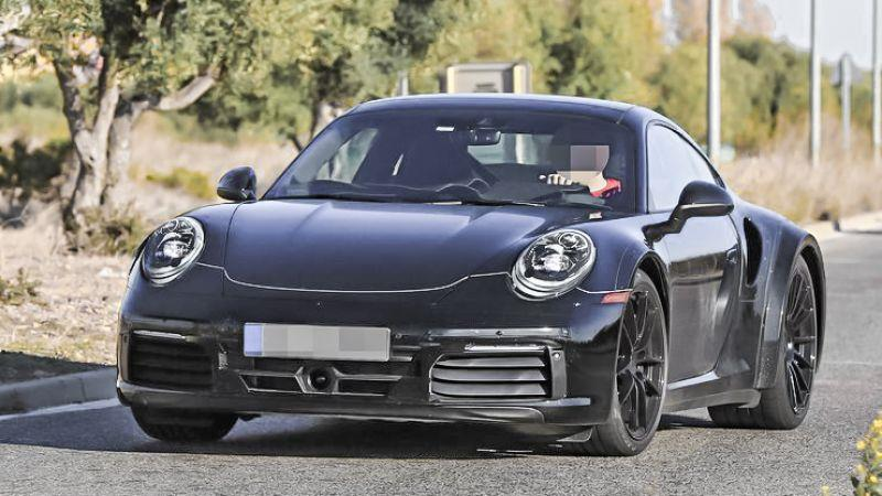 Porsche 992 世代911 偽裝車捕獲直擊