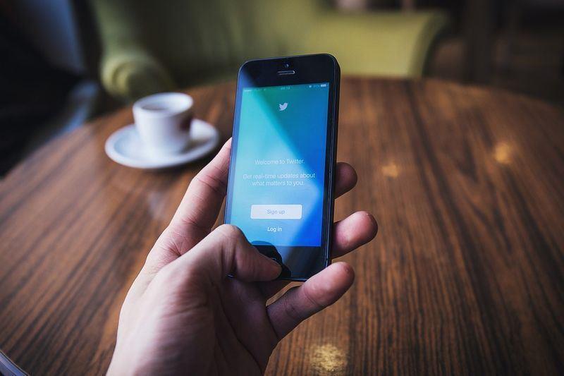 推特21日宣布將出手打擊軟體「機器人」控制的帳號。(圖取自pixabay圖庫)