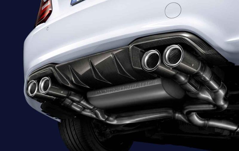 M2雙門跑車優購專案 限量升級加裝M Performance排氣管套件 (M Performance碳纖維後保下分流翼需額外選配)