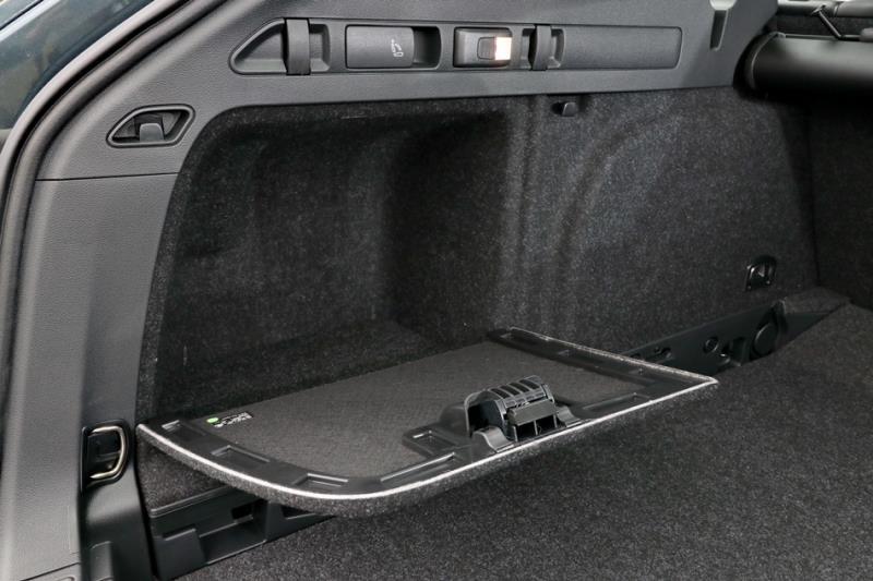入門價 Skoda Superb Combi菁英版TSI