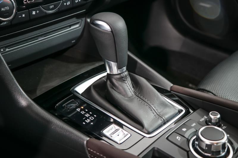 Mazda 3 旗艦型 vs Ford Focus 頂級運動型
