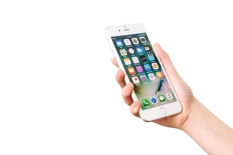 分析師預期,今年6.1吋LCD版iPhone可能推出2款機種,其中一款具備雙卡雙待DSDS功能,6.1吋版出貨占比上看75%。(圖取自Pixabay圖庫網頁)