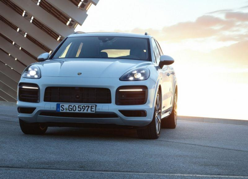 Porsche Cayenne E-Hybrid 正式登場