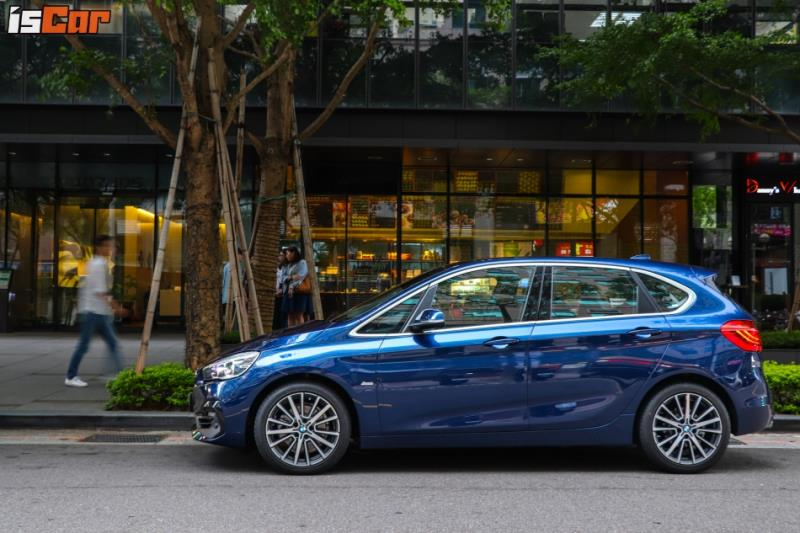 BMW 220i Active Tourer Sport Line降價 運動套件更超值