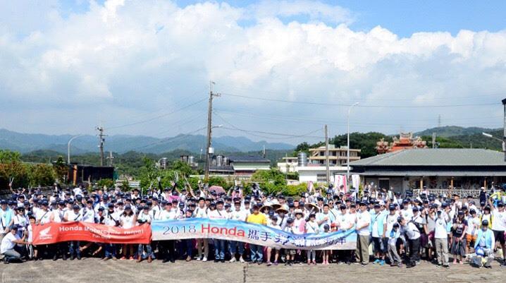 Honda Taiwan 攜手Honda Family 千人做公益,希望發揮企業的社會責任攜手淨灘護海洋。