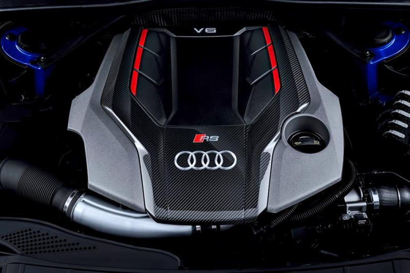 BMW M3 CS vs Audi RS4 Avant 直線對決 究竟誰比較快