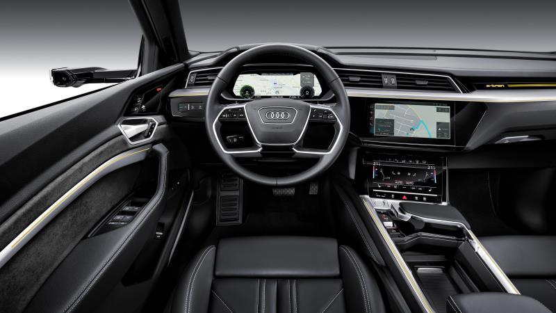 Audi e-tron採用「虛擬後視鏡」,這個利用攝影機來取代傳統後照鏡的設計。