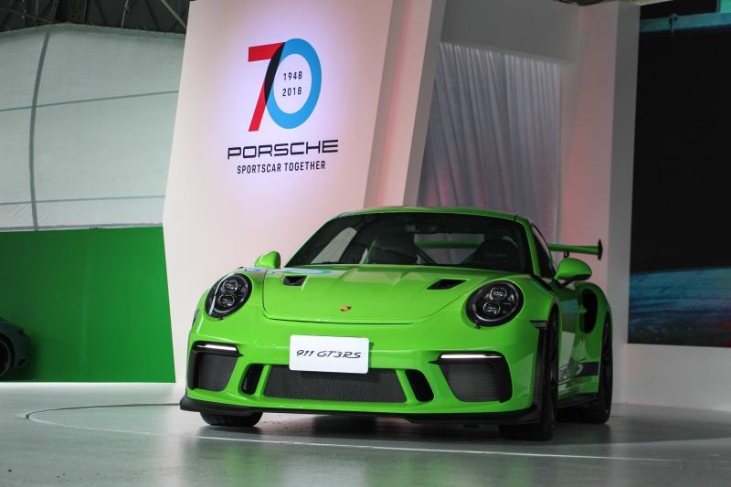保時捷同步發表全新的911 GT3 RS,建議售價1080萬元起。