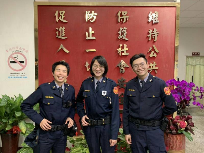 信義分局員警蔡知帆、徐敬堯、朱詩涵等人發揮仁愛心 助迷途婦返家。