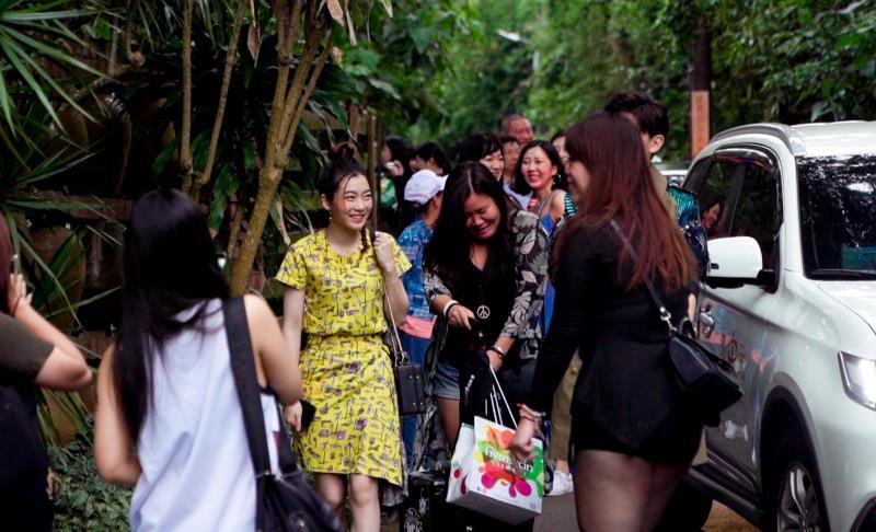 華裔設計師 Daniel Wong率領藝人、網紅指定搭乘時尚潮流多元計程車