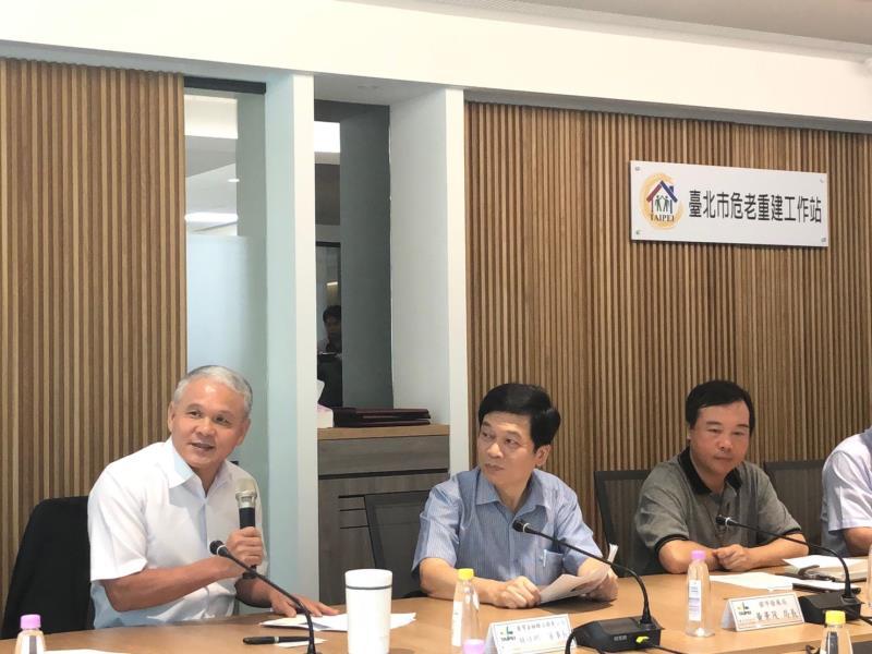 林旺根凡事親力親為,親身督導團隊設置臺北市危老重建工作站。