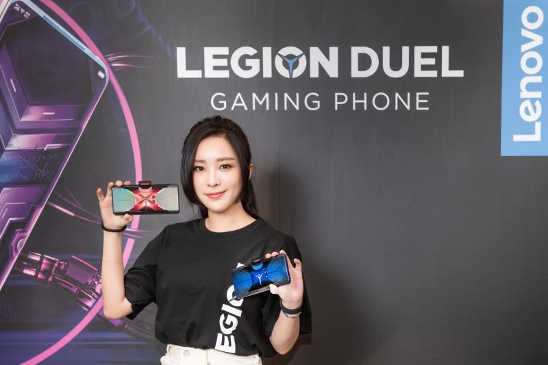 美女遊戲實況主讚效能 Lenovo電競手機直播不受限
