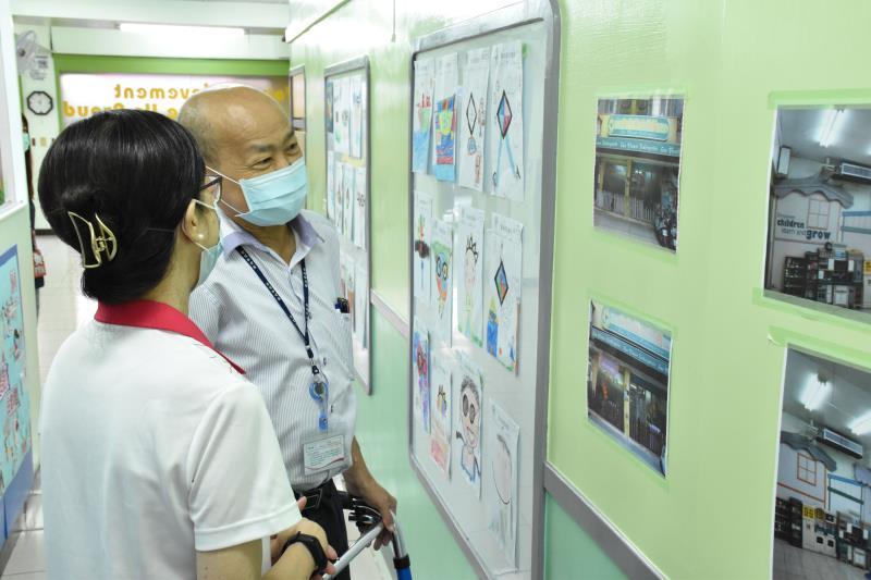林淑麗園長說明幼兒園加入準公共後設備改善情形。
