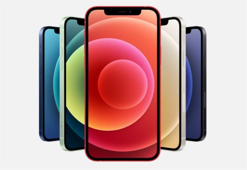 (中央社舊金山13日綜合外電報導)蘋果公司今天發表5G版iPhone新機,包括5.4吋iPhone 12 mini、6.1吋iPhone 12、6.1吋iPhone 12 Pro,以及6.7吋iPhone 12 Pro Max,也推出平價智慧音箱HomePod mini。  新機具備第五代行動通訊(5G)傳輸能力。蘋果執行長庫克(Tim Cook)在新品發表會表示:「對iPhone來說,今天是新時代的開始。」  iPhone 12與iPhone 11相同,螢幕尺寸都是6.1吋,但更輕、更薄,有黑色、白色、綠色、紅色及藍色5種顏色,配備雙鏡頭,搭載A14處理器,起跳價799美元(約合新台幣23300元),台灣官網售價則是26900元起。16日開始預購,23日出貨。  iPhone 12 mini螢幕尺寸5.4吋,起跳價699美元(約合新台幣20400元),台灣官網售價則是23900元起。下月6日開始預購,13日出貨。