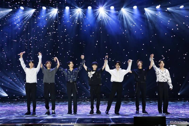 防彈少年團(BTS)所屬娛樂公司股票15日在韓股首日掛牌交易,開盤幾分鐘後股價飆翻天。(圖取自facebook.com/bangtan.official)