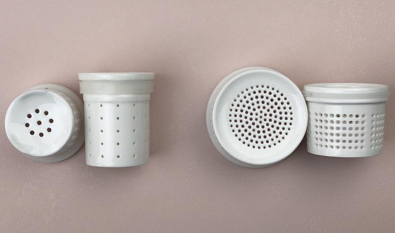 300洞陶瓷濾茶器比較(圖/IKUK)