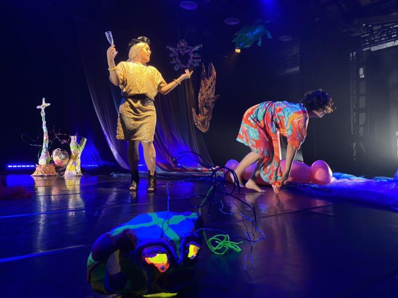 迷幻花園肢體劇場《親愛的》 翻轉人生性別難題