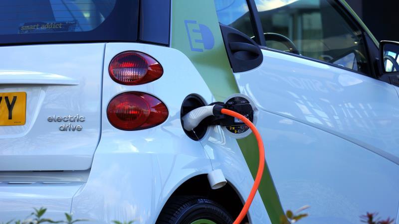 康舒攜手清大,瞄準電動車與綠能領域。(圖/pexels圖庫)