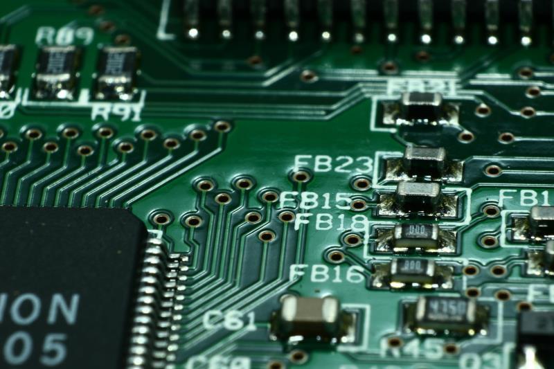 美日德等國近日紛向台灣求援,盼台積電等業者增產車用晶片。彭博報導,台灣的重要性變得不容忽視。(示意圖/圖取自 Pexels)