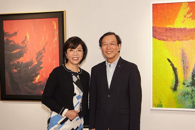 設計天后蔡慧貞(左)攜手企業家張忠弘(右) Re!Art再現大師經典,再啟當代藝術創作新高度。