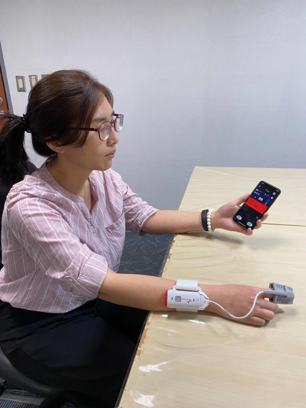 台灣安麗莎公司 即時監測血氧儀上市