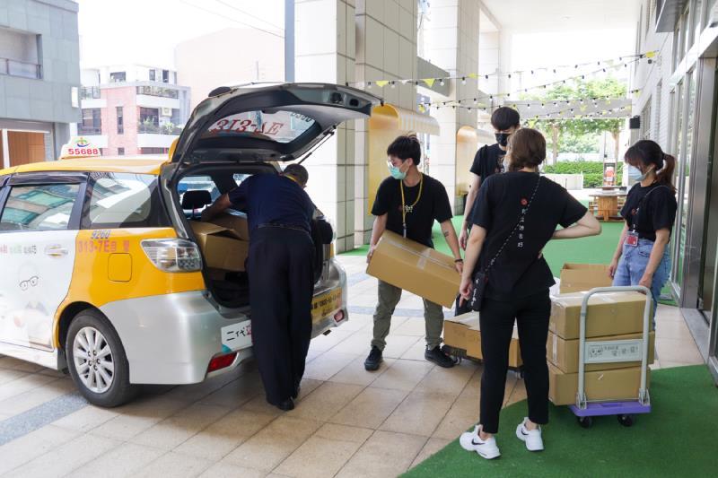 台灣大車隊與錸德文教基金會合作參與「合好一起錸」疫同揪美食活動。