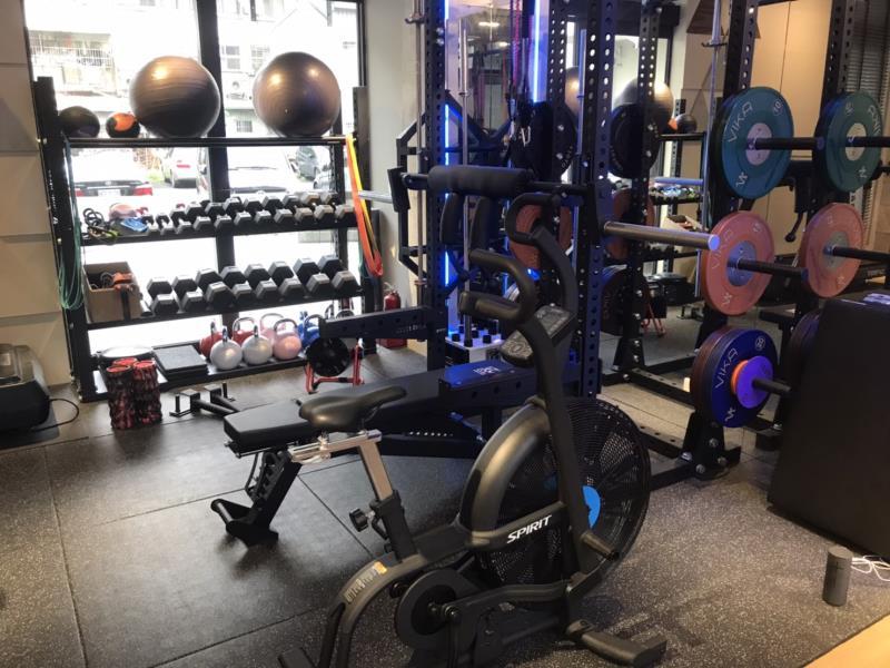 奧森馥能健康管理中心與眾不同的健身器材,由專業健身教練依醫師與治療師建議,指導患者增加與強化肌耐力