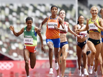 女子長跑大熱門哈山預賽摔跤 爬起飛衝仍獲第一