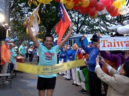 羅維銘穿人字拖棄跑鞋有原因 征服5000公里超馬亞洲第一人